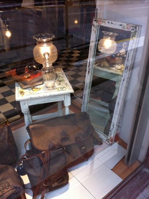 Handgjord pall & spegel