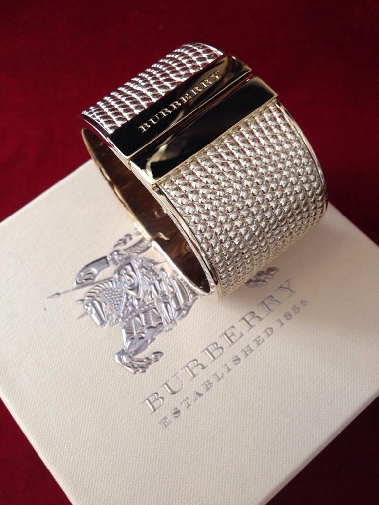 Burberry Armband