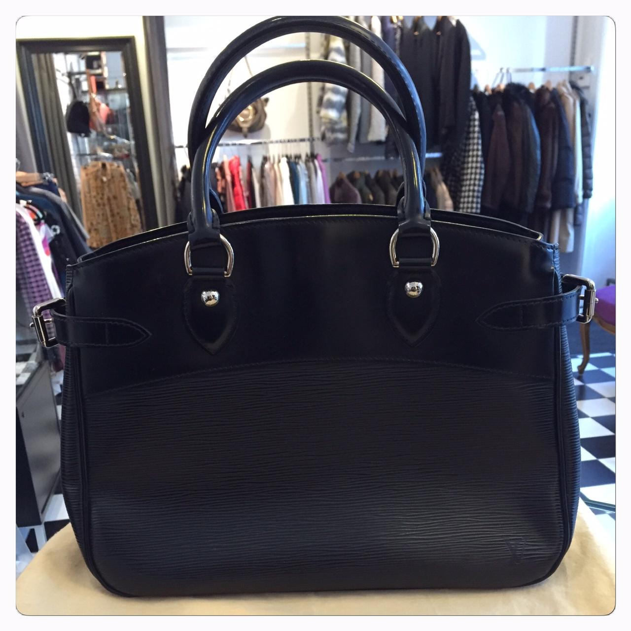 """Louis Vuitton Väska """"Passy Epi Noir"""", Medium"""