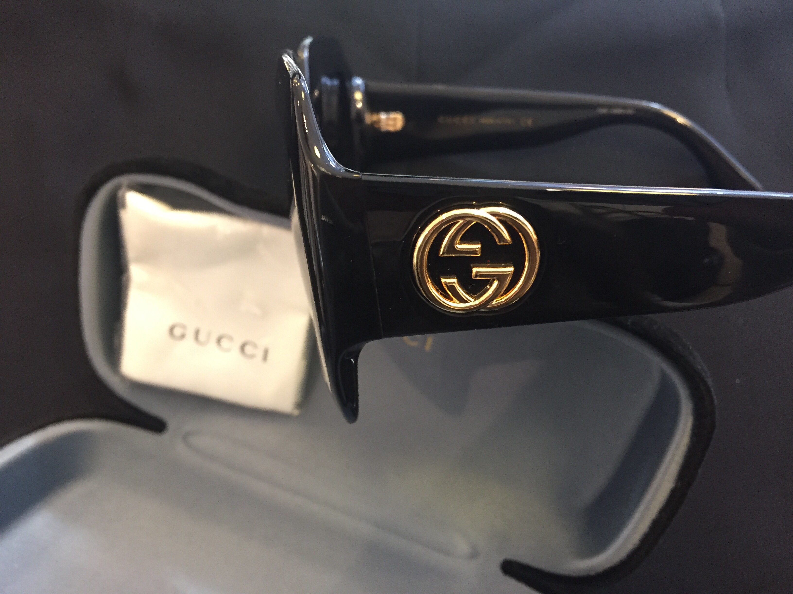 Fantastiska Solglasögon Gucci