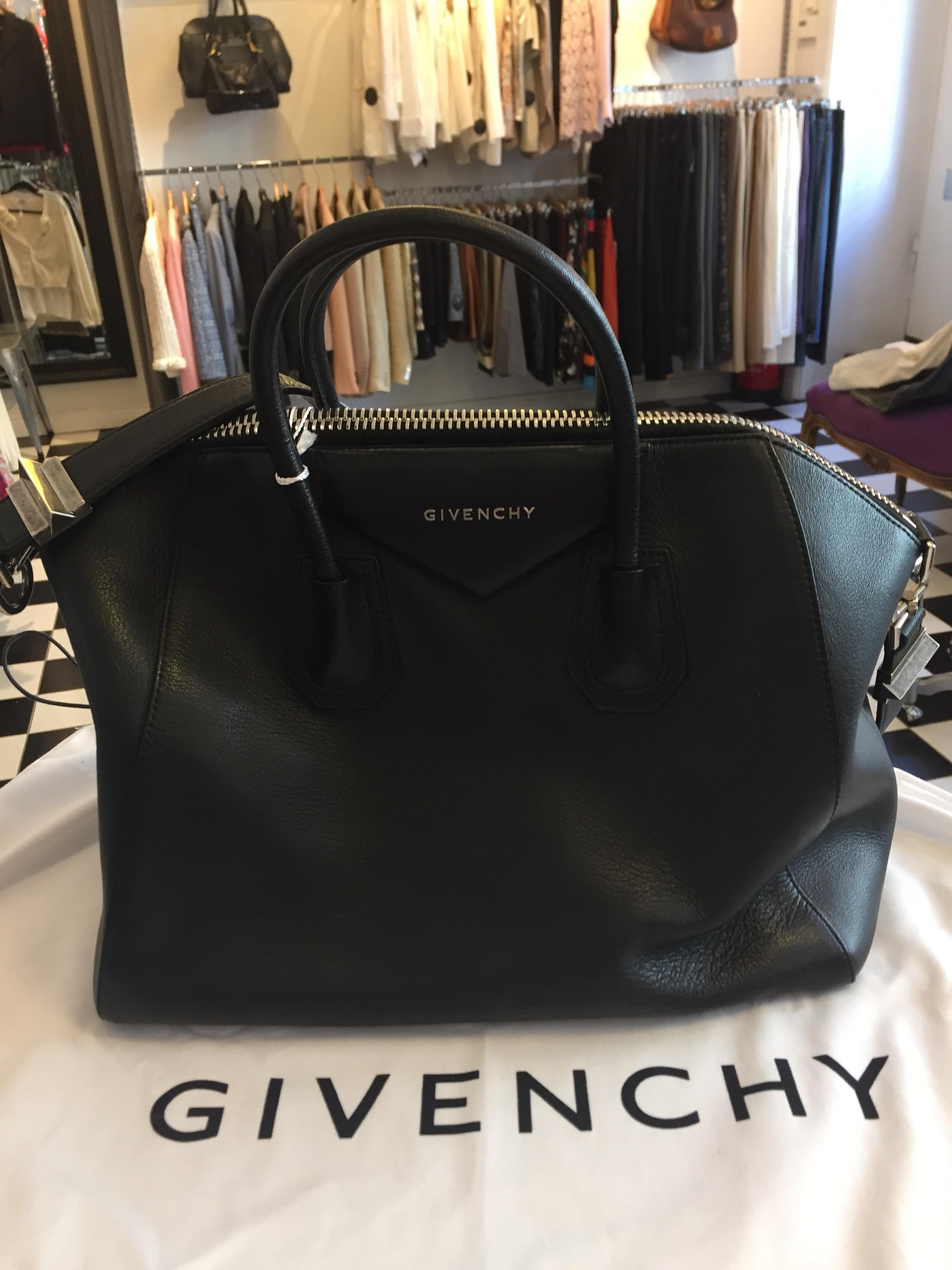 "Givenchy ""Antigona"" Medium Bag"